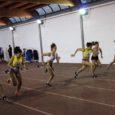 Il programma gare è interamente dedicato alle corse e la manifestazione comincia con i 60 metri a ostacoli. La prima a scendere in pista è Dalia Carcea, la quale con 9.96 demolisce il suo record personale (10.68) abbassandolo di più di sette decimi. Le concorrenti sono solamente cinque e tutte […]